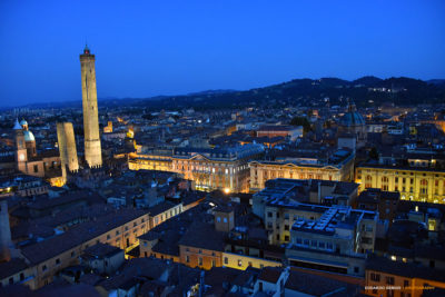 Bologna Skyline vista dalla torre Prendiparte